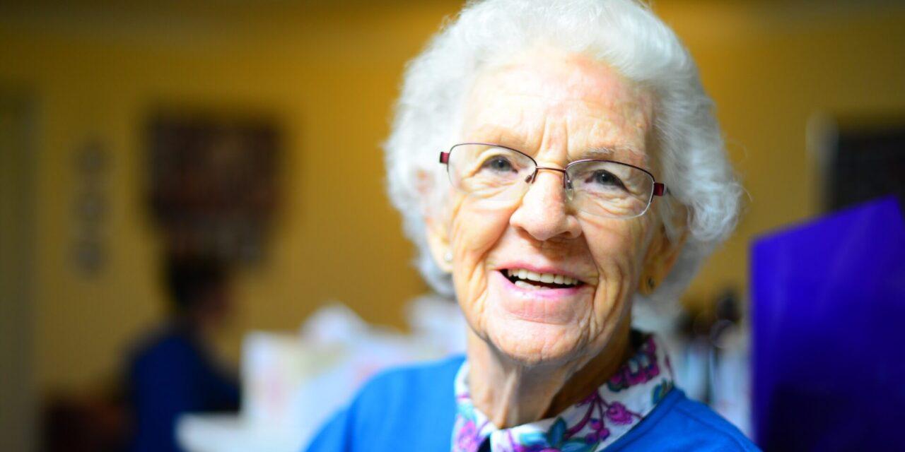Les implants pour les personnes âgées