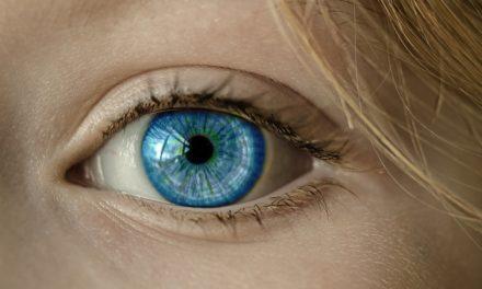 Augen OP – Linsen implantieren