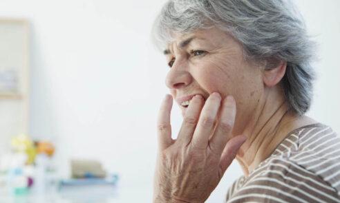 Periimplantitis – Zähne pflegen auch bei Implantaten