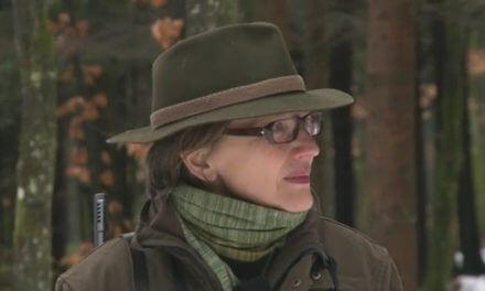 Warten auf dem Hochsitz – Renata Jori ist Chirurgin und Jägerin
