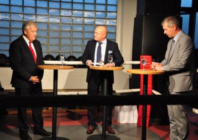 Hans Stöckli und Thomas de Courten bei Geri Staudenmann im Ring