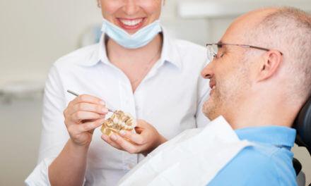 Zahnimplantat und Krone in einem Schritt