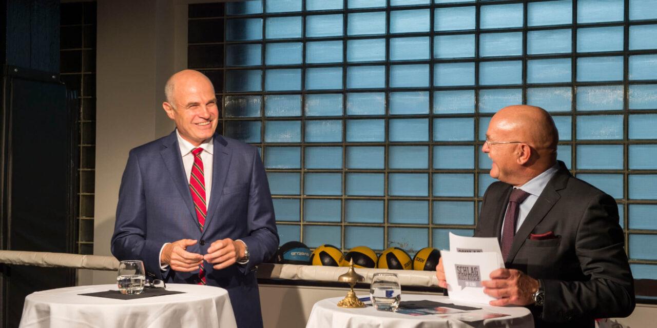 Schlagaustausch im Ring – Qualität im Gesundheitswesen: USZ-CEO Gegor Zünd im Sparring mit Gästen