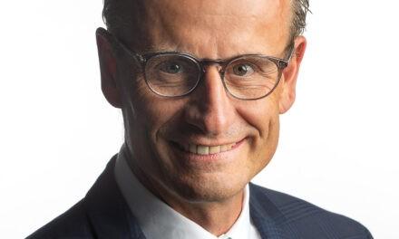 Ernste Lage bei den Profiligen – Matthias Remund auf dem Sofa Jaune